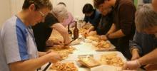 Lorsque les adultes de l'Interparoissial s'initient à la préparation du foie gras
