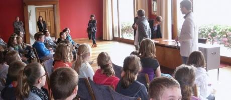 Les collégiens de l'Interparoissial investissent la mairie pour élire leurs délégués